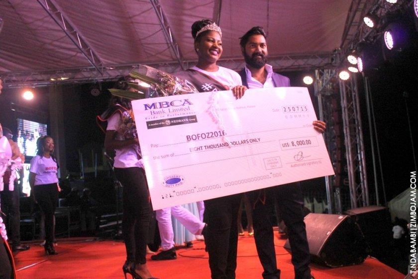 Hazvineyi Chihota Bofoz queen displays her prize PIC: COURTESY OF T.NDABAMBI|ZIMBOJAM.COM