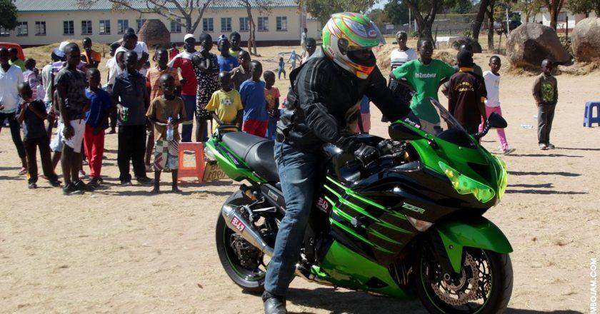 Bikers displaying some biking skills PHOTO: T. NDABAMBI | ZIMBOJAM.COM
