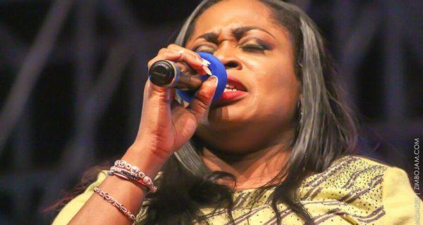 Sinach in a powerful praise moment PIC: T. MANYANGADZE | ZIMBOJAM.COM