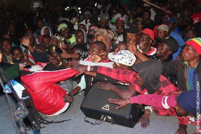 Fans grabbing Turbulence PIC: T. NDABAMBI | ZIMBOJAM.COM