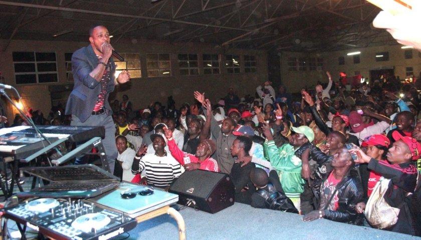 Mega Banton at the Harare showgrounds PIC: T. NDABAMBI | ZIMBOJAM.COM