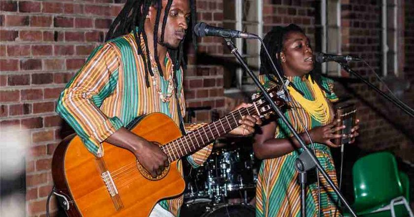 Stango and Nongoma performing at the opening of Bluez Cafe.