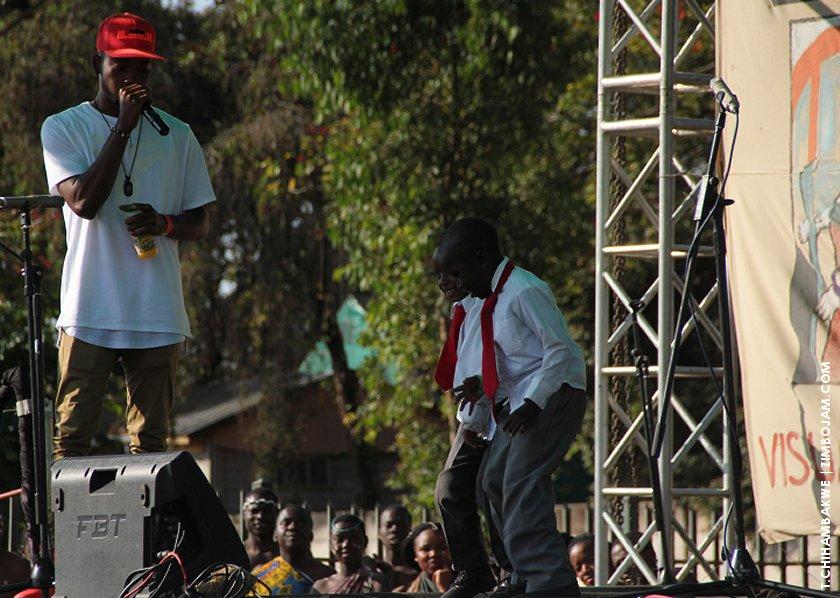 Probeatz beat-boxes as the children dance to his beat. PIC: T. CHIHAMBAKWE | ZIMBOJAM.COM